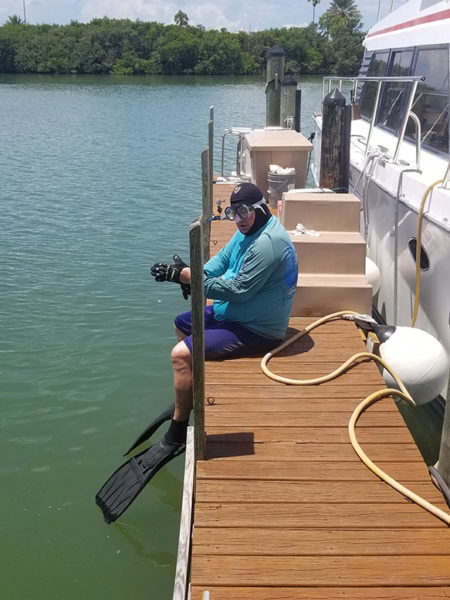 Boat Hull Cleaning. St. Pete. Tampa Bay Florida. Alex's Dive Service Inc.