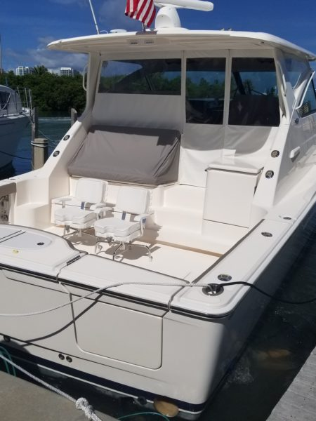 Boat bottom cleaning. Tampa Bay Florida. Alex's Dive Service Inc.