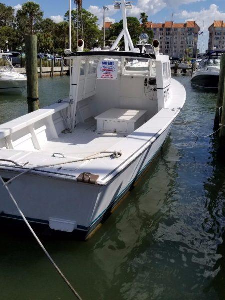 Dunedin - Alex's Dive Service Client boat